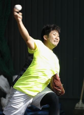 巨人菅野、初日から投球練習 合同自主トレ開始 :: 共同通信 47NEWS
