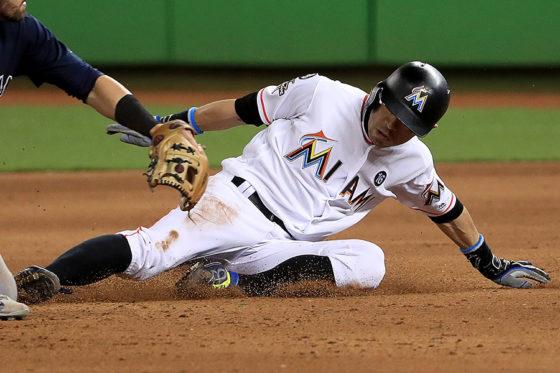 今季初盗塁を決めたマーリンズ・イチロー【写真:Getty Images】