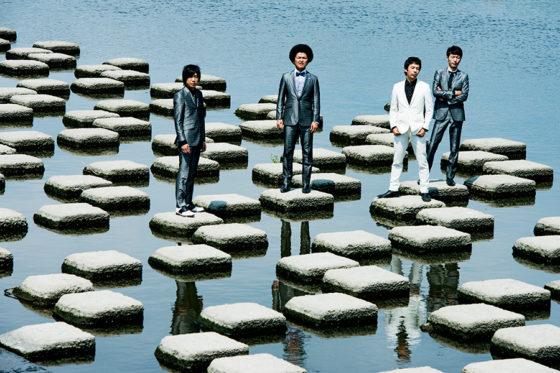10月4日発売の13枚目となるアルバム「CRACKLACK」