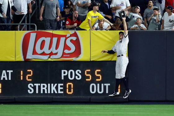 ホームランキャッチの好捕をみせるヤンキース・ジャッジ【写真:Getty Images】