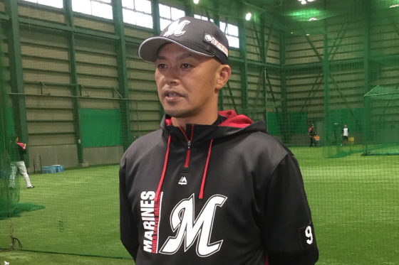 来季より選手兼任コーチとしてプレーするロッテ・福浦和也【写真:細野能功】