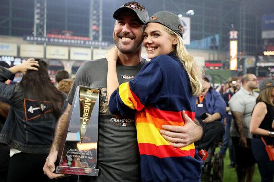 MVPに輝いたアストロズ・バーランダー(左)と婚約者のケイト・アプトン(右)【写真:Getty Images】