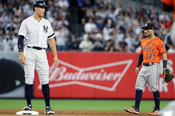 ヤンキース・ジャッジ(左)とアストロズ・アルトゥーベ(右)【写真:Getty Images】