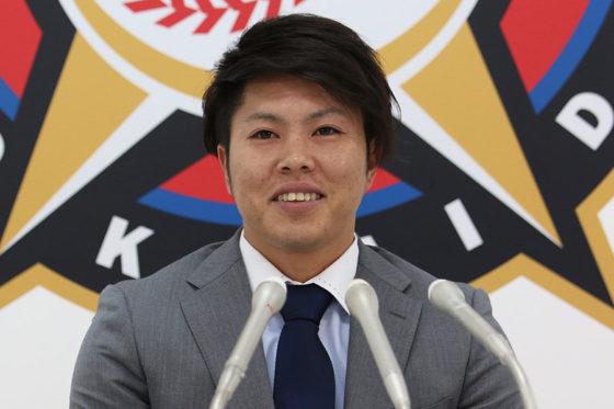 契約更改交渉に臨んだ日本ハム・公文【写真:石川加奈子】