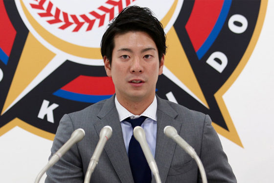 契約更改交渉に臨んだ日本ハム・松本【写真:石川加奈子】