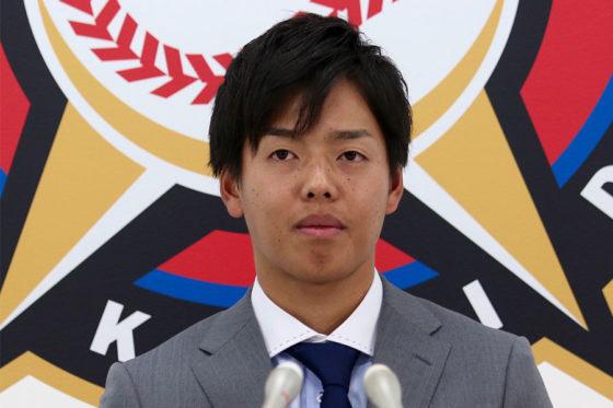 契約更改交渉に臨んだ日本ハム・杉浦【写真:石川加奈子】