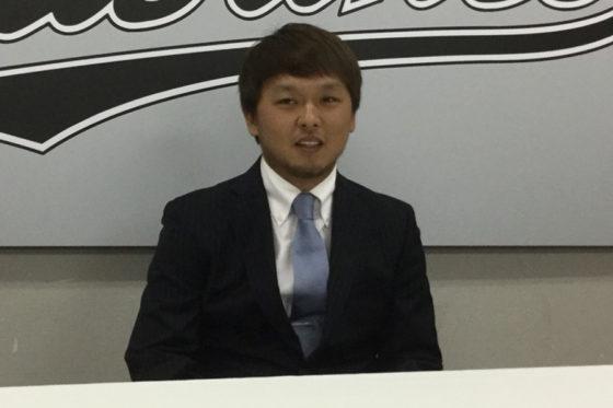 契約更改に臨んだロッテ・田村龍弘【写真:細野能功】