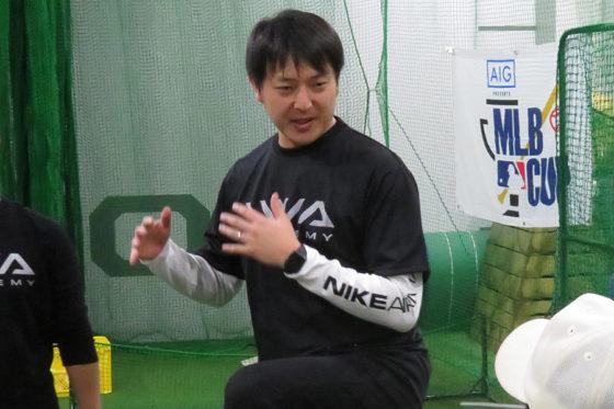 「IWA ACADEMY」で野球教室を行った岩隈久志【写真:福谷佑介】