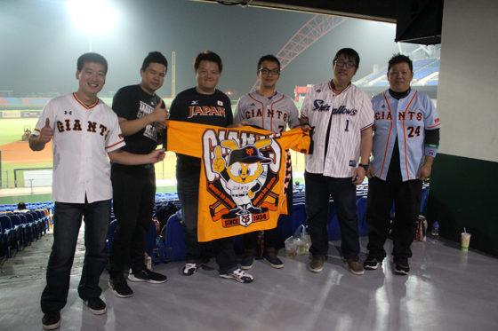 台湾では日本流の応援が話題となっている【写真:広尾晃】