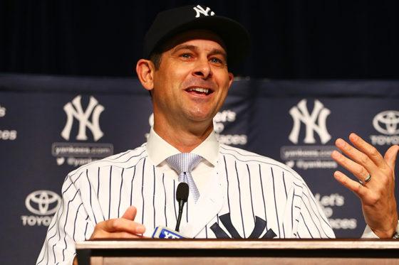 就任会見に臨んだヤンキースのアーロン・ブーン新監督【写真:Getty Images】