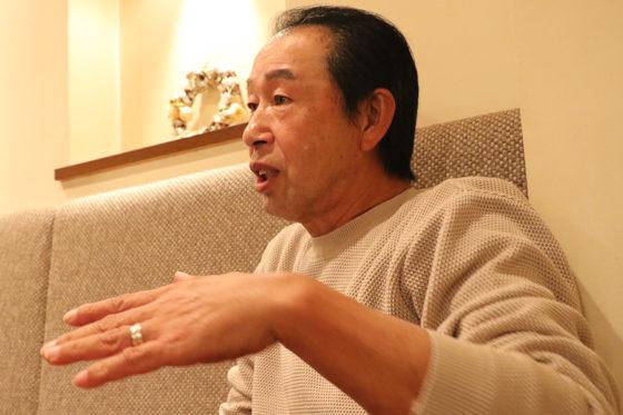 インタビューに応じる篠塚和典氏【写真:編集部】