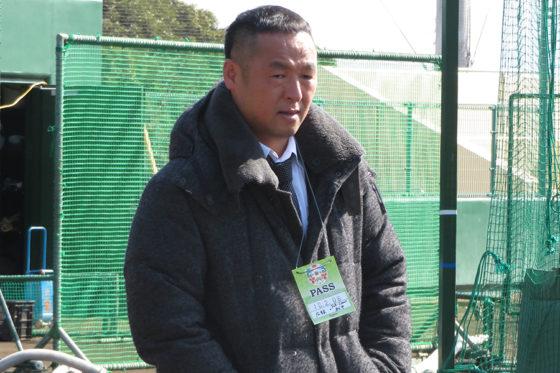 オリックスのキャンプを視察した松中信彦氏【写真:福谷佑介】