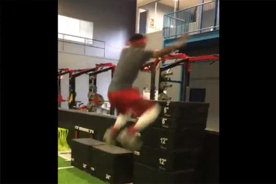 エンゼルス傘下所属の18歳ジョー・アデルのジャンプ力が話題に(画像は動画のスクリーンショットです)