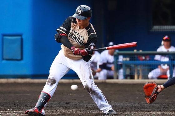 2打席連続で四球を選んだ日本ハム・清宮幸太郎【写真:荒川祐史】