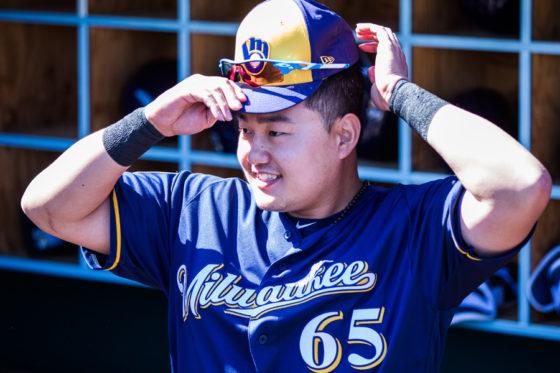 招待選手としてブルワーズでプレーする韓国出身の崔志萬【写真:Getty Images】