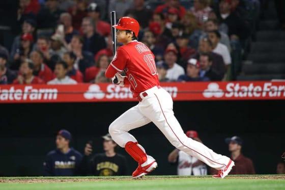4月4日、大谷翔平はメジャー初本塁打を放った【写真:西山和明】