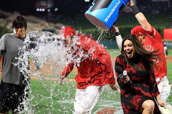「パワーレード・シャワー」の洗礼を浴びたエンゼルス・大谷翔平【写真:Getty Images】