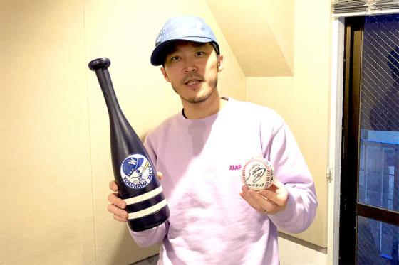 横浜大洋時代のメガホンを片手に、ベイスターズ愛を熱く語ったライムスターのDJ JIN【写真:編集部】
