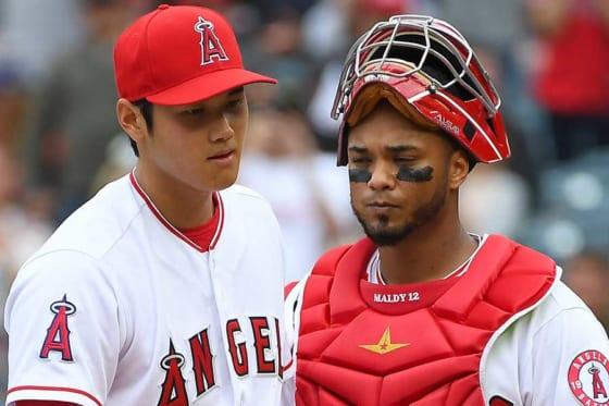 エンゼルス・大谷翔平(左)と正捕手のマーティン・マルドナード【写真:Getty Images】