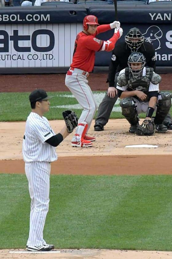 MLBでの初対決が実現したヤンキース・田中(左)、エンゼルス・大谷【写真:AP】