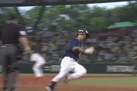 ヤクルト・青木宣親が初回先頭打者ランニング本塁打を記録【画像:(C)PLM】
