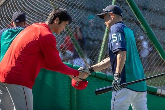 エンゼルス・大谷翔平(左)とマリナーズ・イチロー【写真:AP】