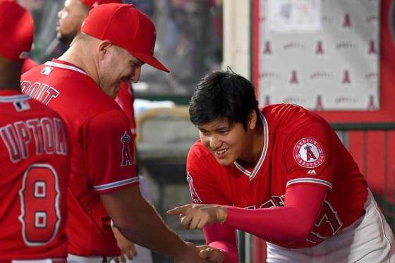 エンゼルスのマイク・トラウト(左)と大谷翔平【写真:Getty Images】