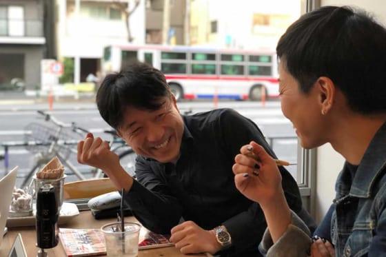 優勝予想を行った成瀬さん(左)、佐藤さん【写真:編集部】