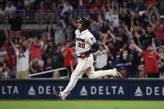 驚異の弾道の本塁打を放ったブレーブスのジョシュ・ドナルドソン【写真:Getty Images】