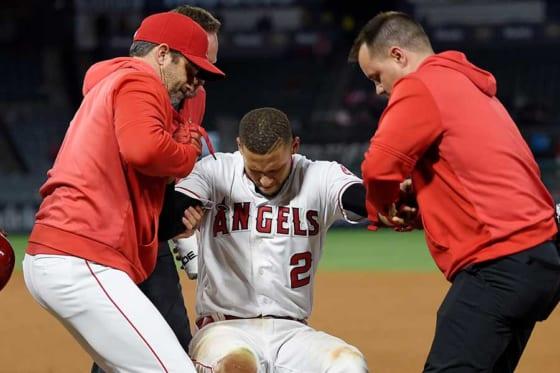 負傷交代したエンゼルスのアンドレルトン・シモンズ【写真:AP】