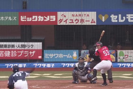 プロ初本塁打を放ったロッテ・江村直也【画像:(C)PLM】