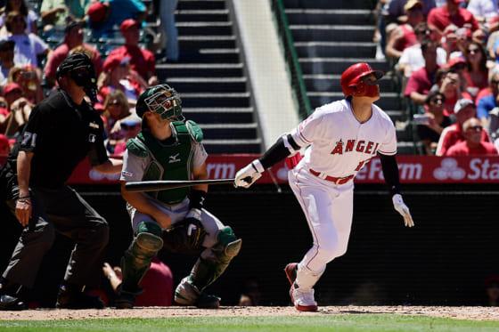 本拠地アスレチックス戦で2本塁打を放ったエンゼルス・大谷翔平【写真:AP】