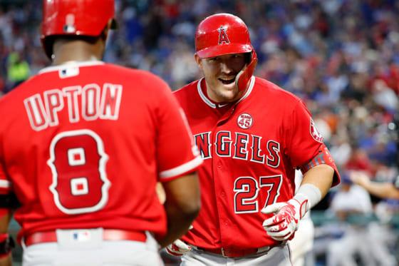 2打席連続本塁打を放ったエンゼルスのマイク・トラウト【写真:AP】