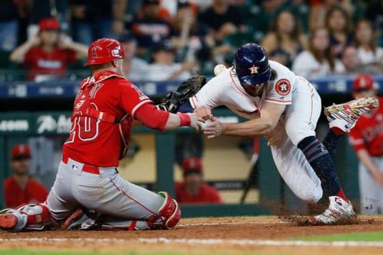 アストロズ・マリスニックとエンゼルス・ルクロイが本塁上で衝突【写真:Getty Images】