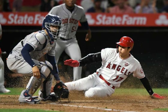 プホルスの右前打で二塁から生還したエンゼルス・大谷翔平【写真:Getty Images】
