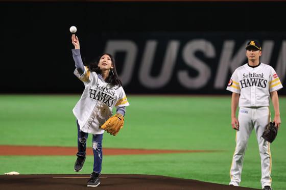 始球式に登板した赤崎美和乃さん【写真:(C)PLM】