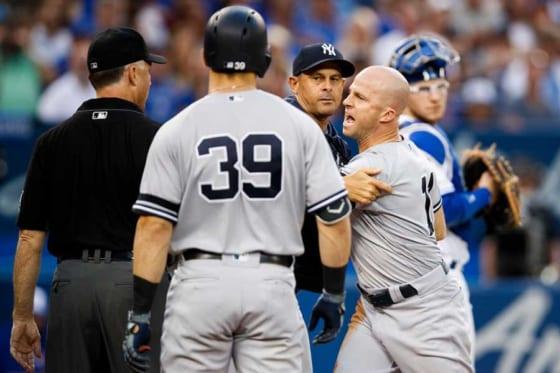 審判に抗議するヤンキースのブレッド・ガードナー【写真:Getty Images】