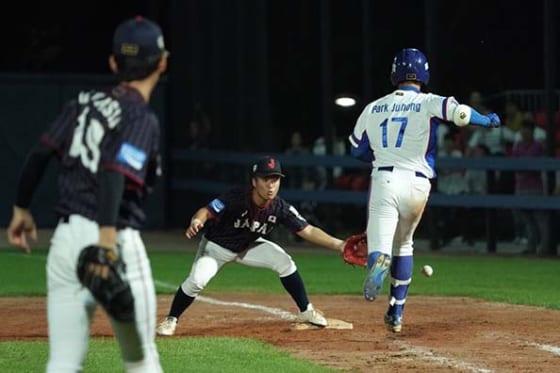 10回裏、無死一、二塁から林優樹が一塁へ悪送球【写真:荒川祐史】