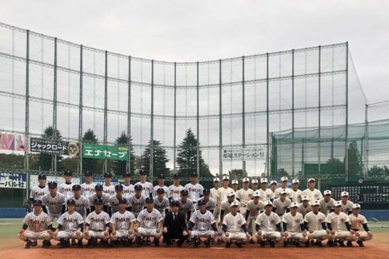 帝京と日大三のメンバーが試合後に記念撮影を行った【写真:安藤かなみ】