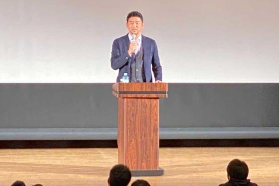神奈川学童野球指導者セミナーに登場した斎藤隆氏【写真:編集部】