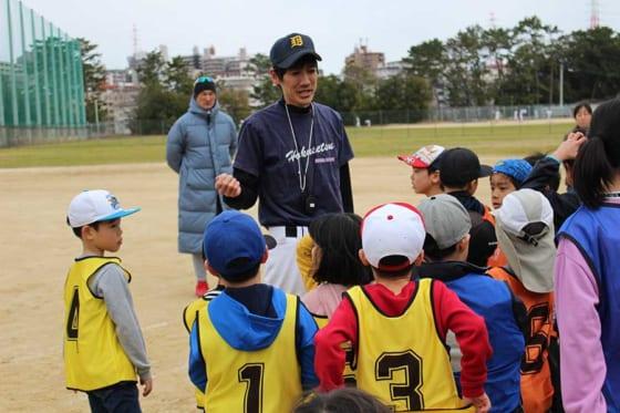 大阪府豊中市服部緑地公園で「第3回親子野球イベント」が行われた【写真:広尾晃】
