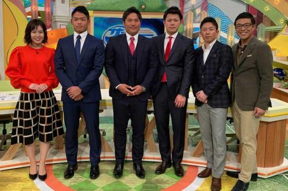 CBCテレビ「サンデードラゴンズ」に出演した中日・根尾昂、平田良介、高橋周平(中央左から)