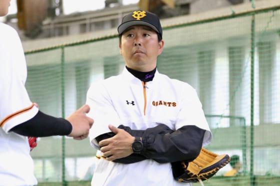 1軍へ配置転換となった巨人の実松一成2軍バッテリーコーチ【写真:小谷真弥】