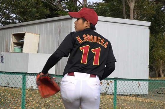 125キロを投げるクラーク記念国際女子硬式野球部の小野寺佳奈投手【写真:編集部】