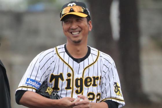 今シーズン限りで現役を引退することを発表した阪神・藤川球児【写真:津高良和】