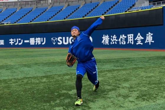 横浜スタジアムで自主練習を行ったDeNA・石田健大【写真提供:横浜DeNAベイスターズ】