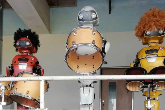 本拠地の桃園球場に配置されているロボット応援団【写真提供:楽天モンキーズ】
