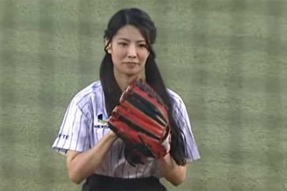 倉持明日香さんは2015年5月1日のロッテ対日本ハムの一戦で始球式に登場した【画像:パーソル パ・リーグTV】
