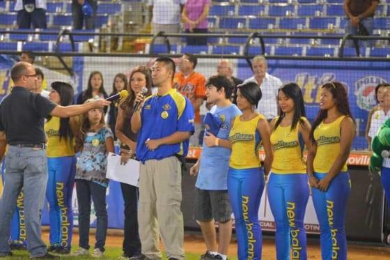 ベネズエラのオールスター戦で2度国歌斉唱を務めた本間敬人氏【写真:本人提供】