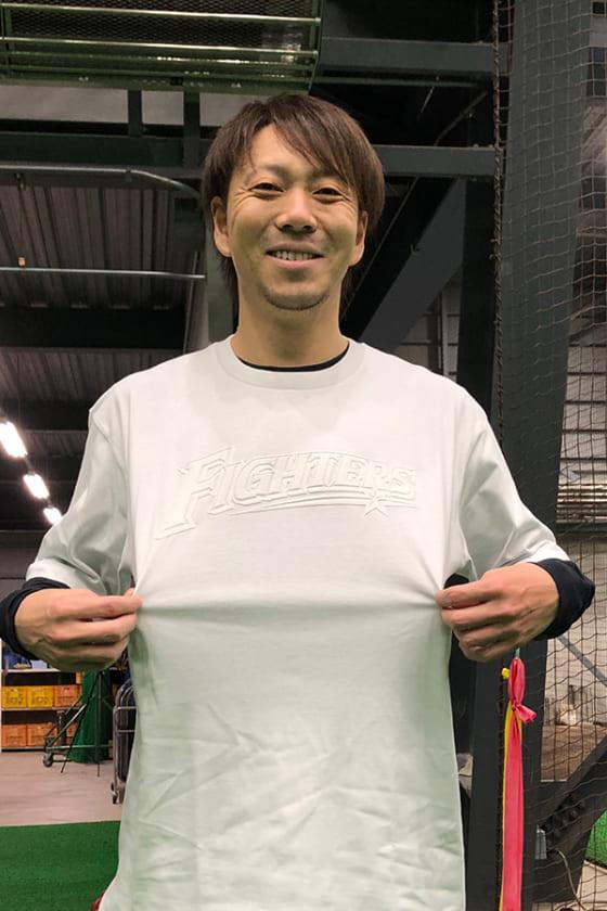 チャリティTシャツを着た日本ハム・宮西尚生【写真提供:北海道日本ハムファイターズ】